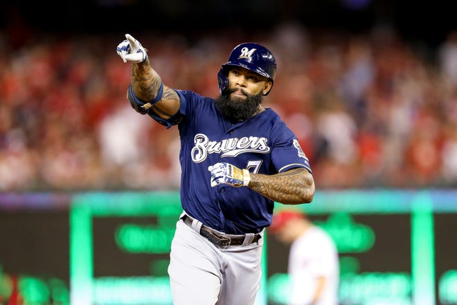 Eric Thames rounds the bases during his solo home run in the second inning.