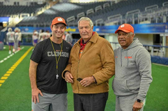 Former Alabama coach Gene Stallings with Dabo Swinney (left) and Woody McCorvey