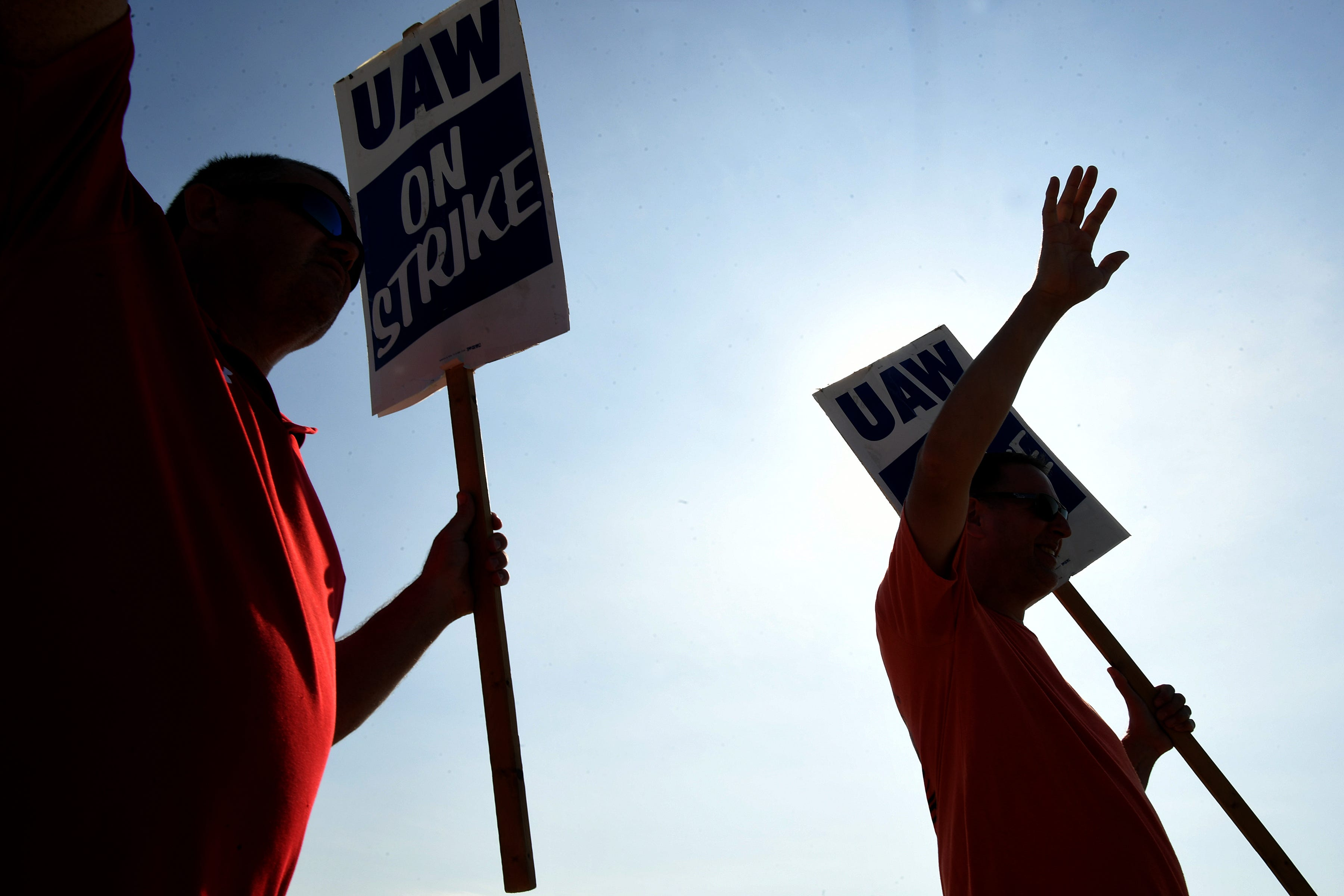 Scrambling to find auto parts, GM car dealers feel pinch in UAW strike