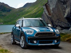 The 2019 MINI Cooper SE Countryman PHEV qualifies as a crossover sport utility vehicle, built like a car with a unit body. It is fairly large for a MINI, stretching nearly 16 feet long and weighing almost two tons.