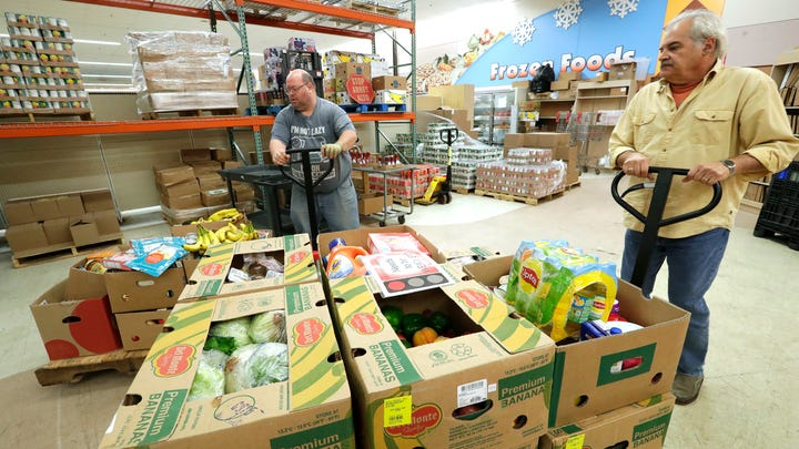 Some grocers donate to food pantries to limit food waste. The EPA stands behind it.