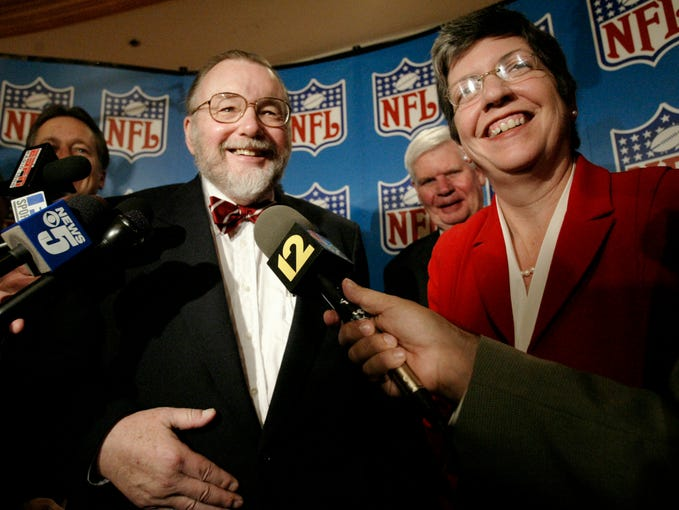 Arizona Cardinals' owner Bill Bidwill, left, and Ariz. Gov. Janet Napolitano answer questions from reporters after NFL owners voted to award the 2008 Super Bowl to Glendale, Ariz. at the NFL's fall meeting,Thursday, Oct. 30, 2003, in Chicago.