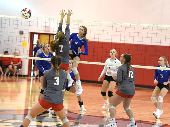 Fort Defiance's Lani Goggin (4) finished with 19 kills Tuesday night in a win over Riverheads.