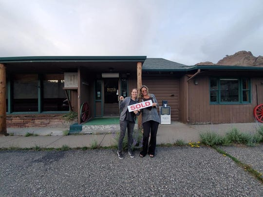 Schuyler and Hayley Mieyr have purchased the Missouri River Inn at Hardy Creek.