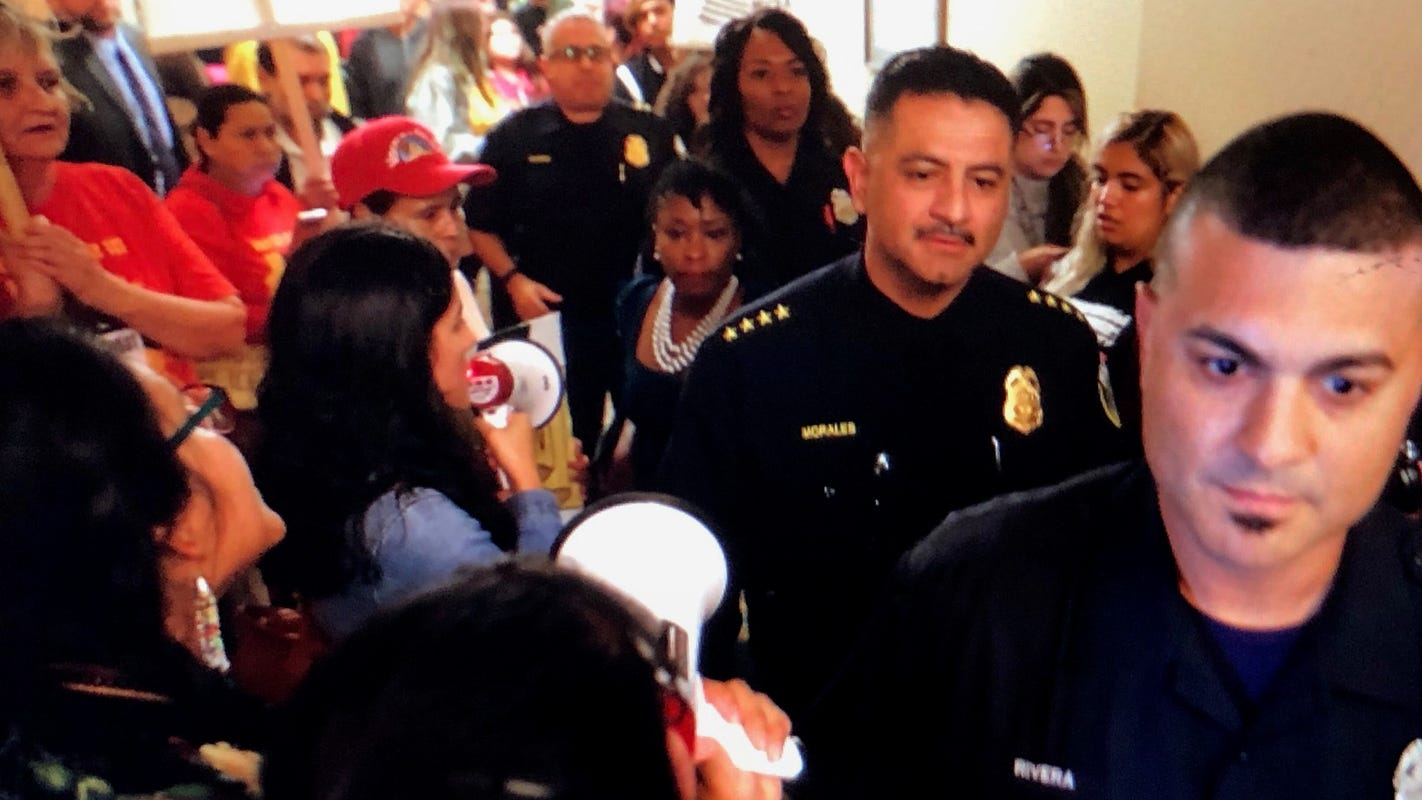 Immigration agents would require judicial warrants for police cooperation under proposal