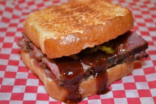 Smokin' Buttz brisket sandwich.