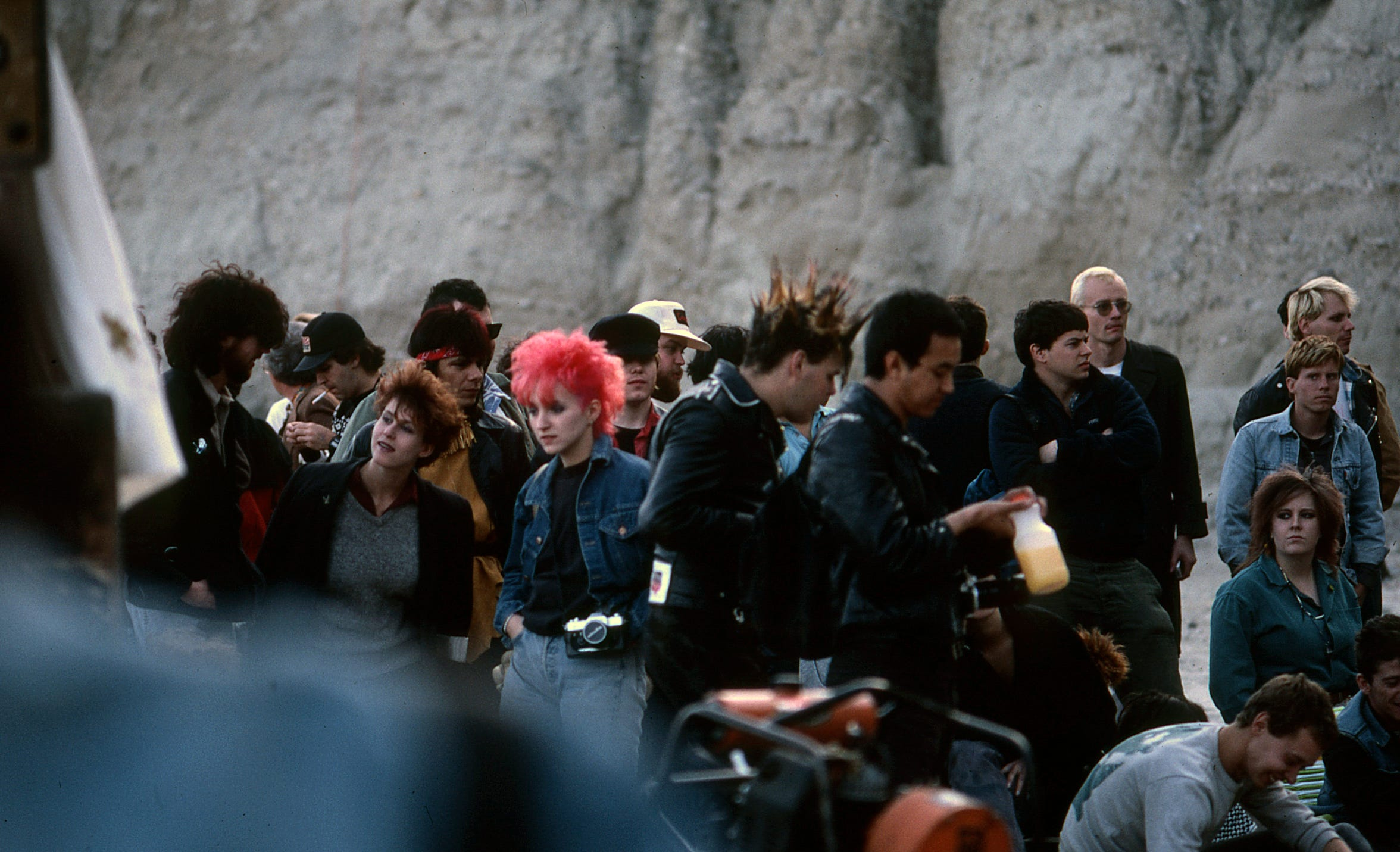 The crowd gathers at Mojave Auszug in Box Canyon in Mecca, Calif. on March 4, 1984.
