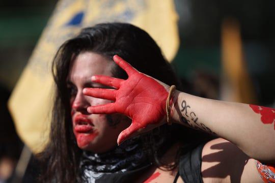 """México conmemoró el aniversario de la matanza con el Centro Histórico de la capital mexicana prácticamente """"blindado"""" ante posibles actos vandálicos que fueron controlados."""