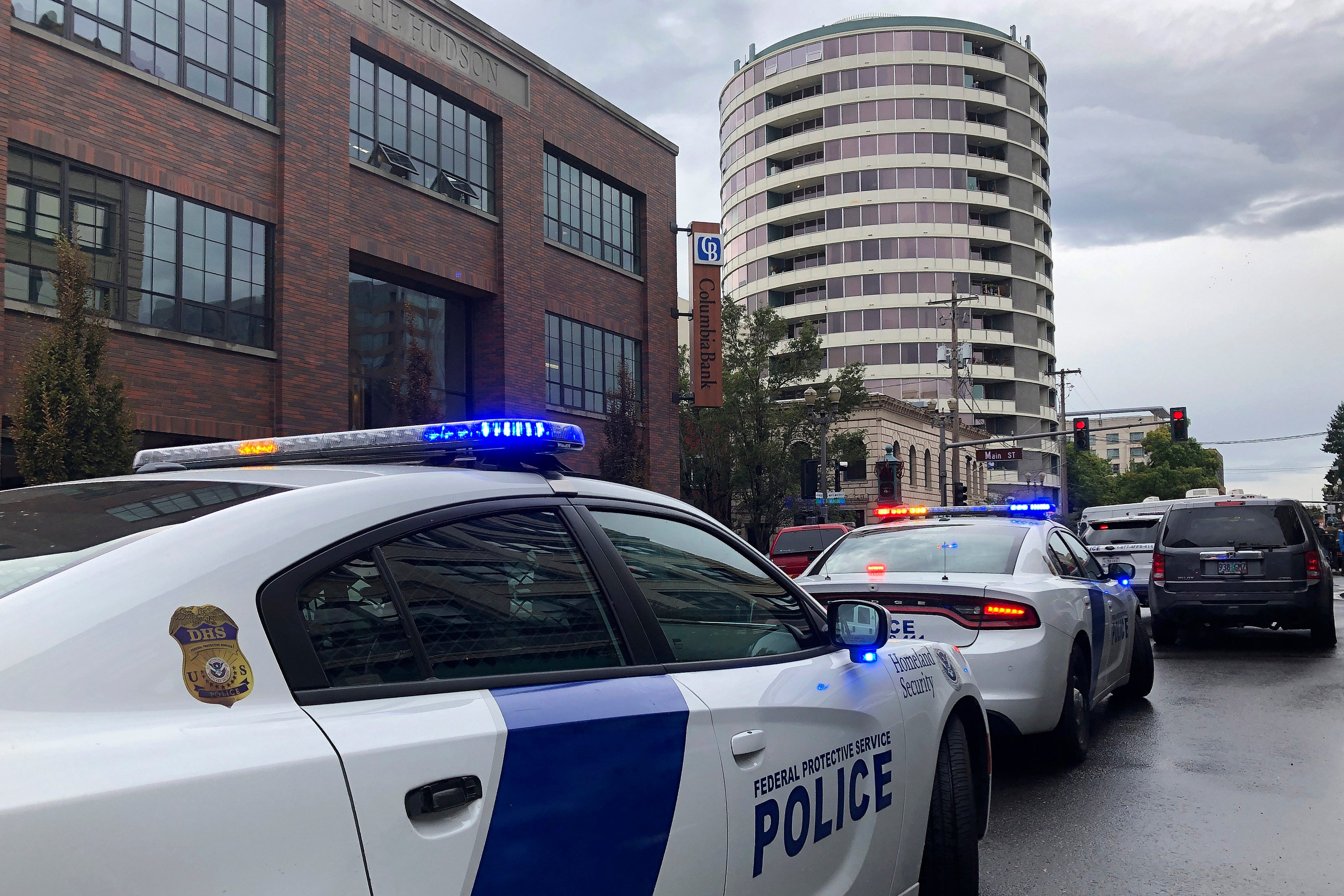 Breaking news: 1 dead, 2 injured in Washington state apartment building shooting