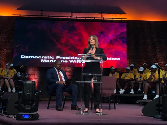 Marianne Williamson, a Democratic presidential candidate, speaks about reparations to the audience at the American Descendants of Slavery conference on Friday.