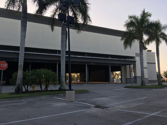 Expansion is happening at Marketplace Commons, catty-corner from Gateway Shoppes at Old 41 Road and Tamiami Trail.  Combined, the two Benderson Development plazas have 400,000-square feet.