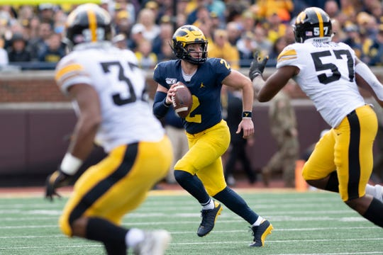 Michigan quarterback Shea Patterson looks for an open man in the third quarter.