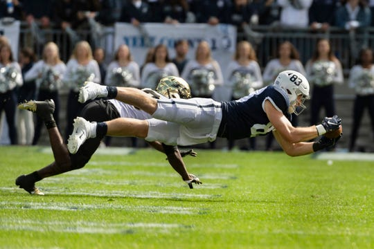 Penn State tight end Nick Bowers stretches to catch a pass in the third quarter. Bowers had three receptions for 66 yards.