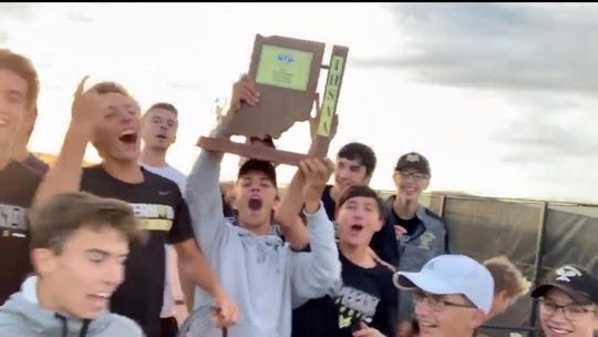 Mt. Vernon tennis celebrates a sectional win Friday night.
