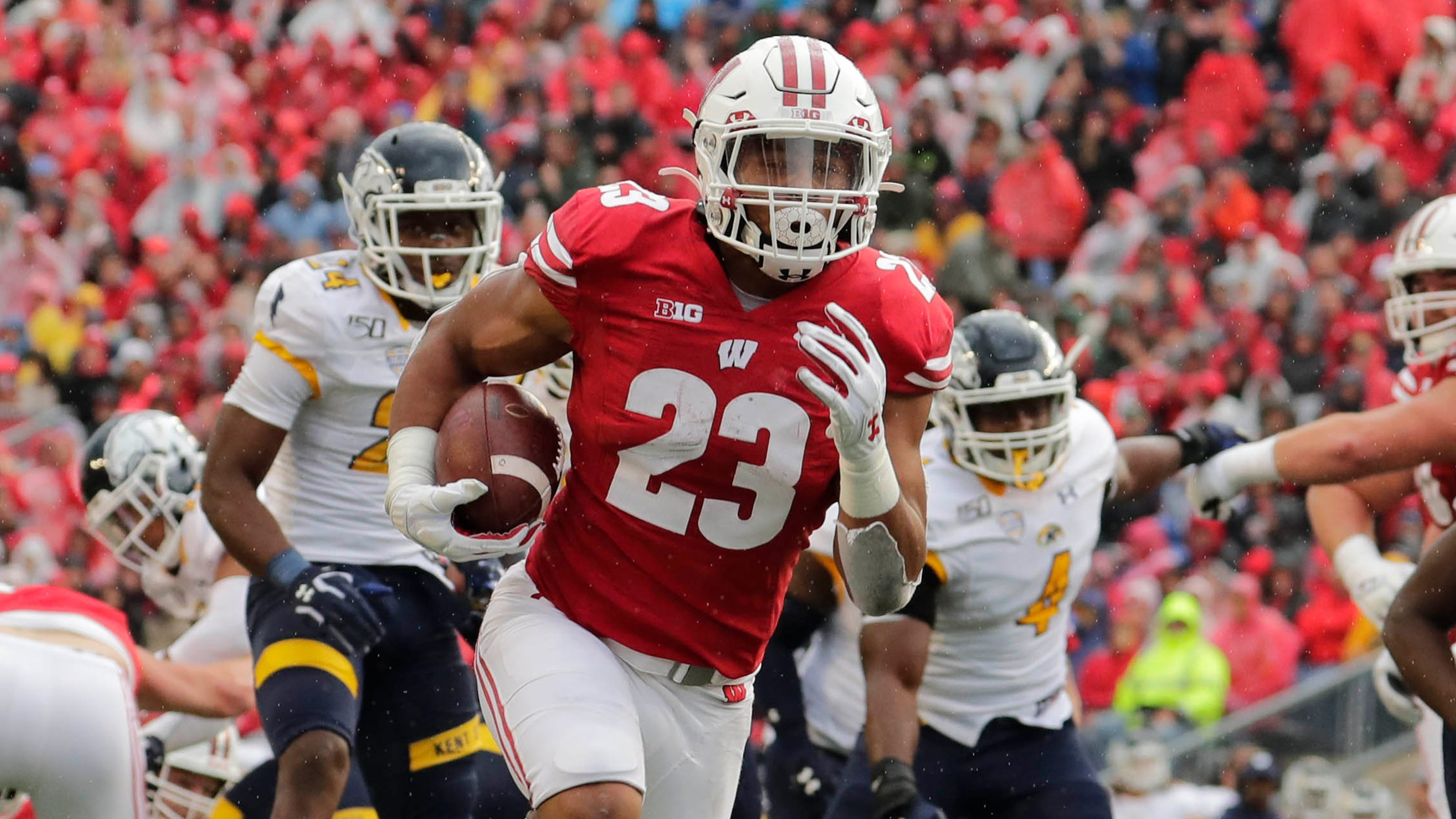 Jonathan Taylor Leads Wisconsin's 48-0 Rout Of Kent State