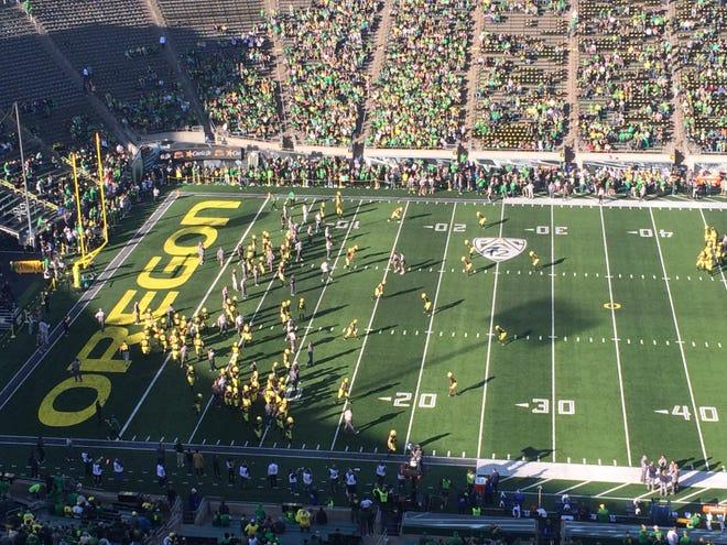 Oregon hosts Cal today at Autzen Stadium.