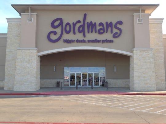 A Gordmans storefront.
