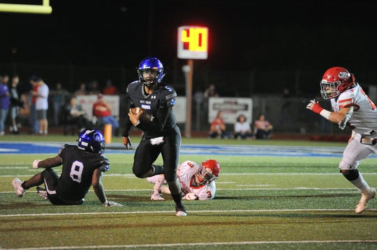 City View's Isaiah Marks rushes the ball against Holliday on Friday, October 5, 2019.