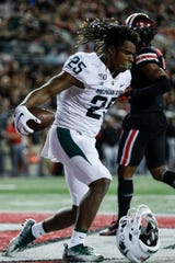 Michigan State receiver Darrell Stewart Jr. catches the ball for a touchdown during the second quarter at Ohio Stadium in Columbus, Ohio, Saturday, Oct. 5, 2019.