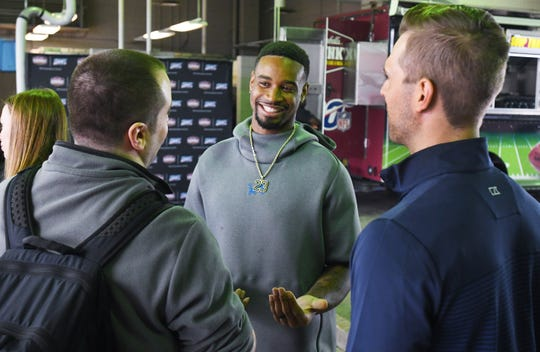 Darius Slay visited first responders at the Southwest Public Safety Center on Friday.