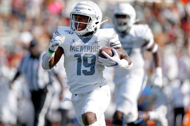 Memphis running back Kenneth Gainwell sprints downfield against ULM at Malone Stadium in Monroe, La on Saturday, Oct. 5, 2019.