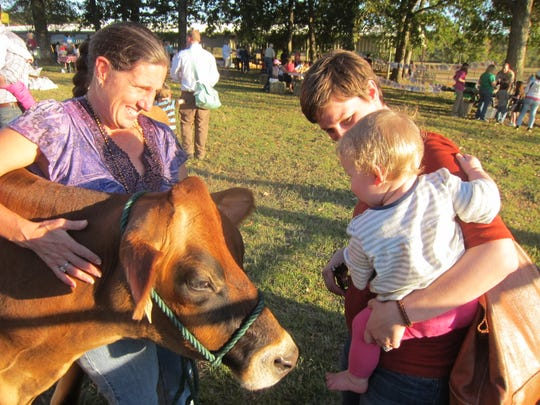 Up to 700 people are expected to attend the Farm-City Festival to be held on Oct. 21 from 4 p.m. to 6:30 p.m. at Bartlett Ranch in Pike Road. Activities for children will include pony rides, a petting zoo, Cowboy Bruce's Wild West Show, archery, and T-shirt painting, among others. The T-shirts will be furnished.