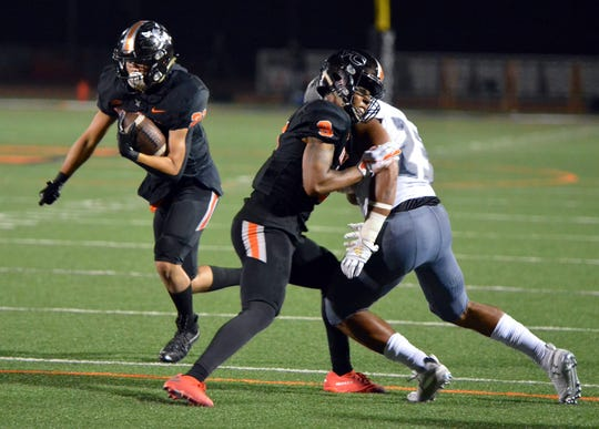 Chuck Wick ran for two touchdowns in Ventura College's win on Saturday night.