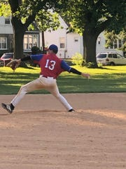 Andy Cruz playing baseball