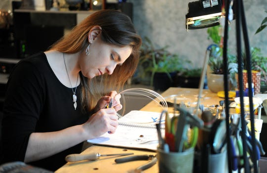 Evansville artist Sara Rappee died after falling from a cliff at Garden of the Gods in Southern Illinois on Saturday night. Sara Rappee got her B.A. in art from USI in 2006. Rappee worked with sterling silver and semi-precious stones to create her custom designs.
