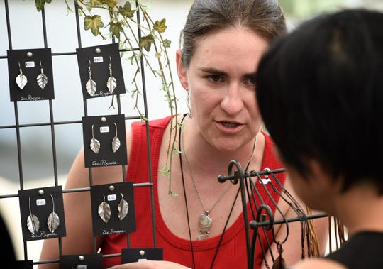 Evansville artist Sara Rappee died after falling from a cliff at Garden of the Gods in Southern Illinois on Saturday night. Sara Rappee got her B.A. in art from USI in 2005. Rappee worked with sterling silver and semi-precious stones to create her custom designs.