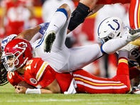 Colts vs. Chiefs: Justin Houston makes two big plays against his old team