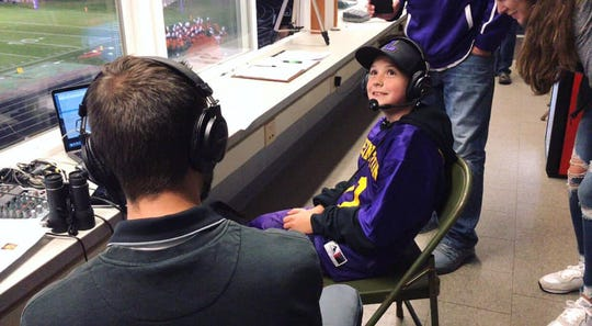 Evan Slaton was interviewed by VSBN Lexington during halftime of the Lexington vs. Mansfield Senior game. Earlier in the week, Evan was greeted by Lexington senior Kaydan Berry after Evan's mother passed away from cancer.