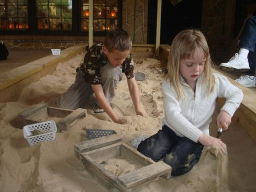 Hunt for rocks and fossils at these 2 Wisconsin destinations