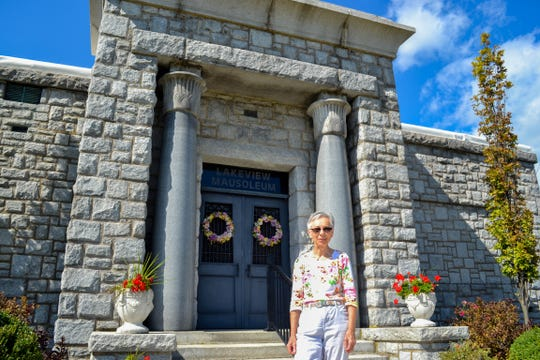 Each member of the Friends group has a different job. Among other duties, Maria Moon is in charge of Lakeview Mausoleum, and she visits the cemetery regularly to clean the interior of the building.
