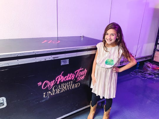 "Savannah Dahan got to meet Carrie Underwood at her D.C. concert. Underwood sang ""The Champion"" to Dahan's singing in a beautiful moment."