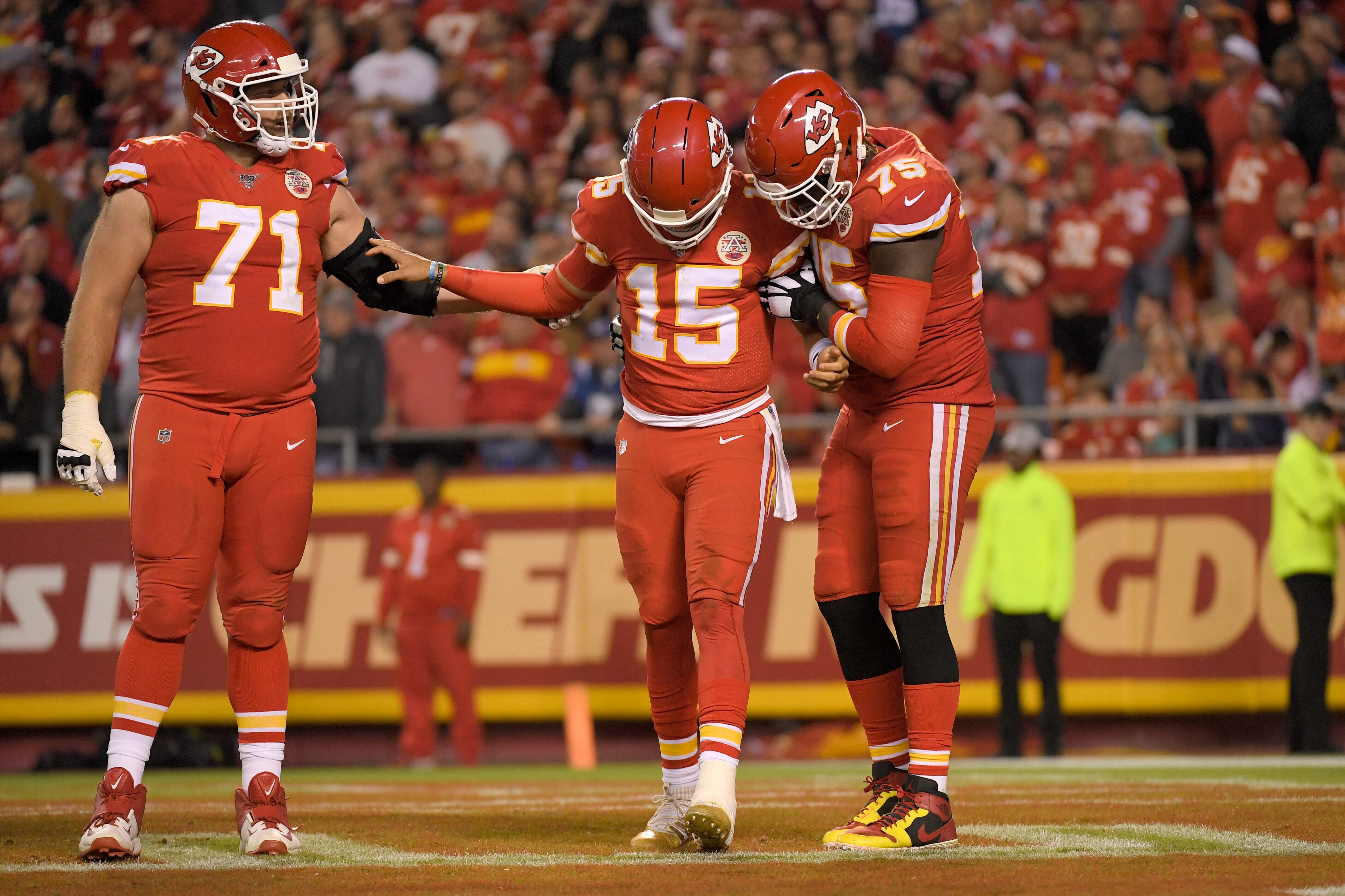 Patrick Mahomes roughed up, held to scoring low as Colts hand Chiefs first loss