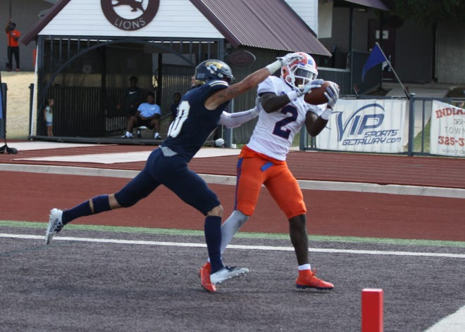 Louisiana College's last-minute touchdown against Howard Payne helped push them to break a losing streak.