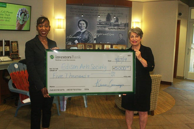 DeAngelina Inman, Investors Bank, and Gloria S. Dittman, president of Edison Arts Society.