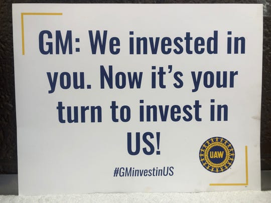 A placard similar to the one taped to the windows of UAW Vice President of General Motors Department Terry Dittes car earlier this spring.
