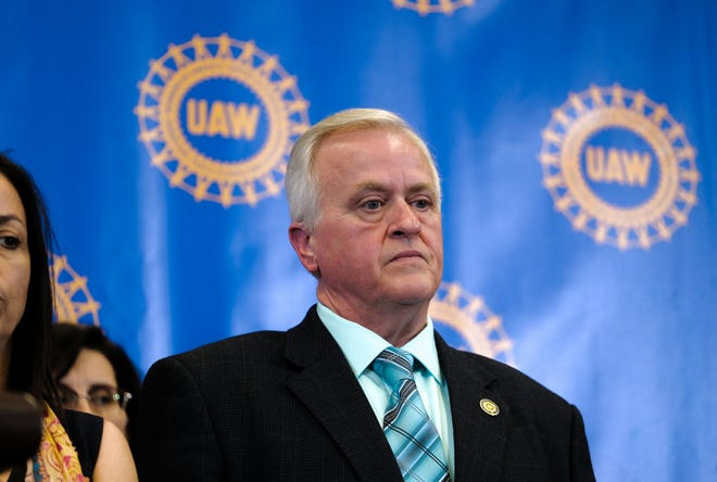 UAW Vice President Terry Dittes stands by as newly-elected UAW President Gary Jones speaks during a press conference at Cobo Center in Detroit on Thursday, June 14, 2018.