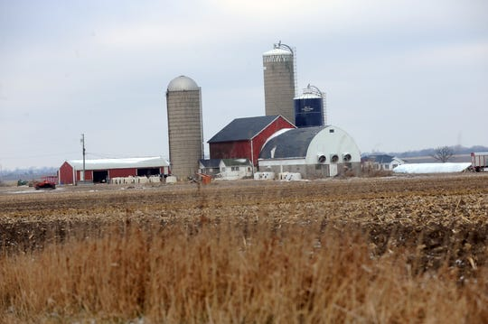 New data shows agricultural bankers in Wisconsin and other Midwest states are predicting continued financial difficulties for farms.