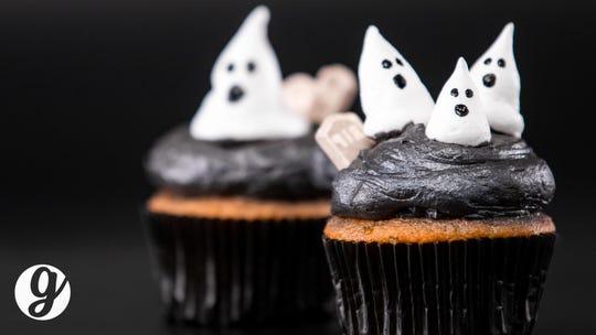 Halloween decorations: 5 festive DIY cake topper ideas