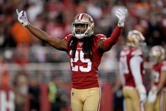 49ers cornerback Richard Sherman (25) encourages the crowd before a play against the Browns at Levi's Stadium.
