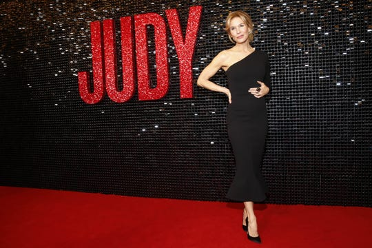 Renee Zellweger attends the Australian premiere of Judy at The Capitol on October 8, 2019 in Melbourne, Australia.