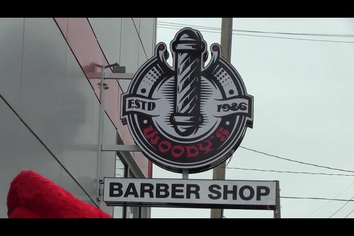 Louisville S Vince Tyra And Staff Get Haircuts At Woody S
