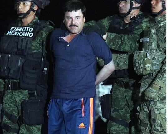 Cuestionado por el retorno de los bienes de Joaquín Guzmán Loera (centro), López Obrador señaló que primero deberá realizarse un inventario de bienes reales y luego buscar su devolución a México.