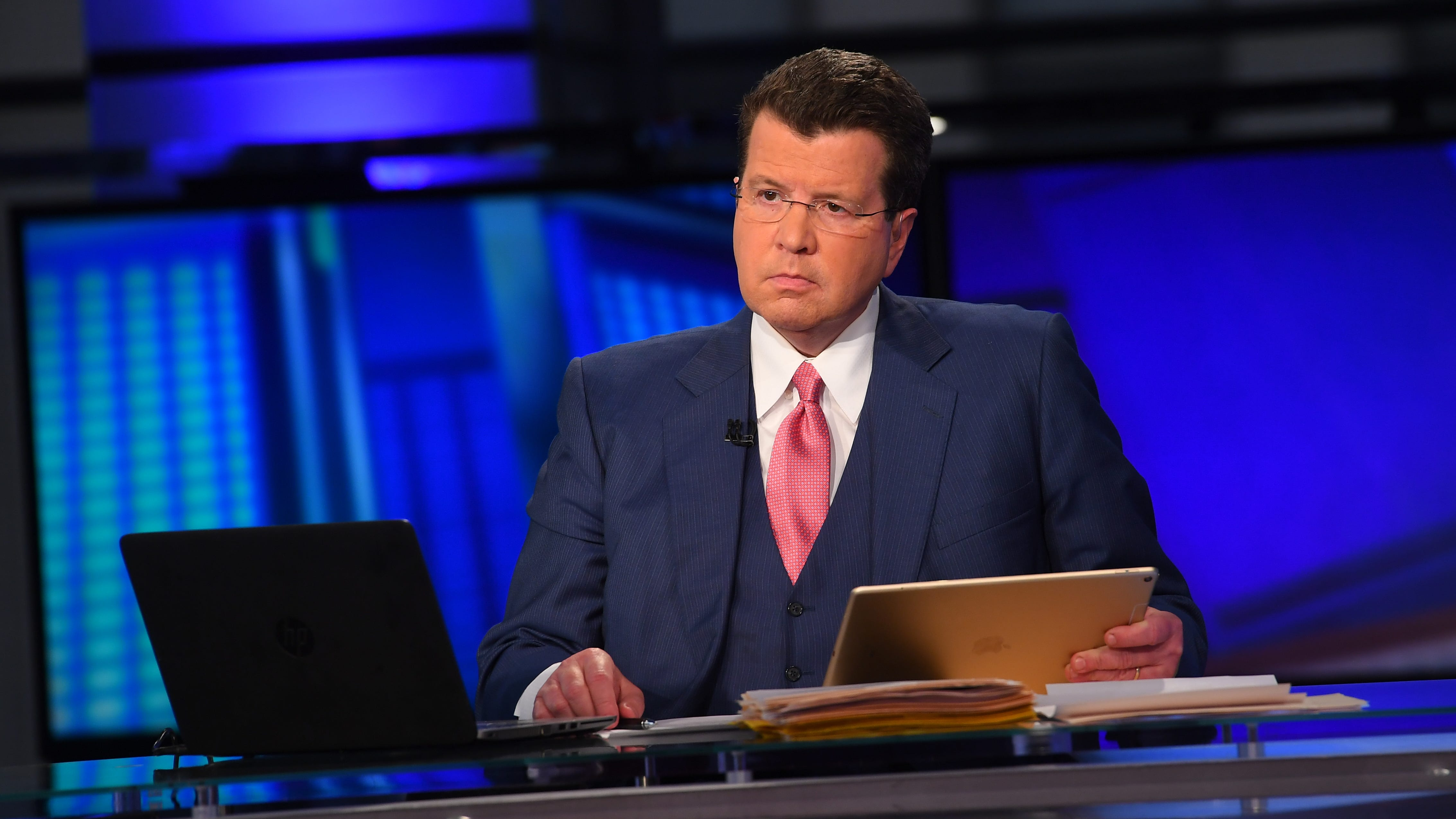 Fox News host urges vaccines after testing positive