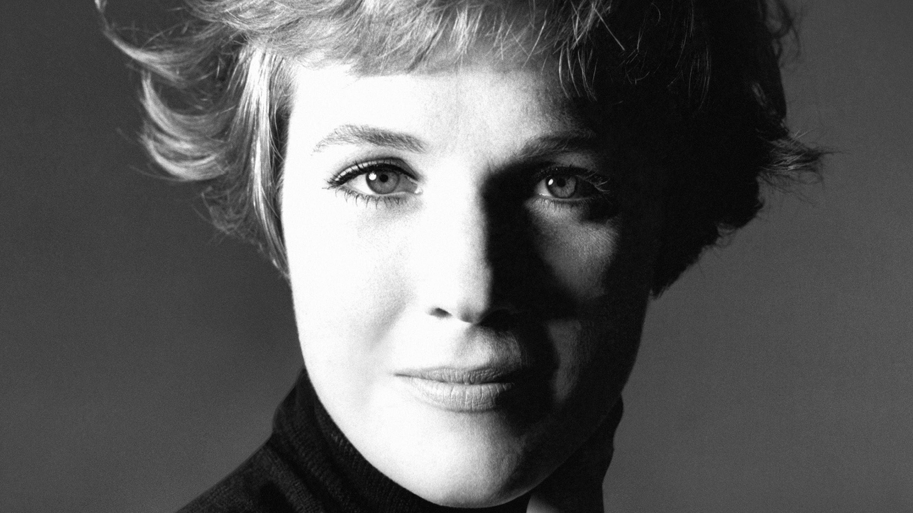 5 Things we learned about 'Mary Poppins' and 'Sound of Music' from Julie Andrews' new book