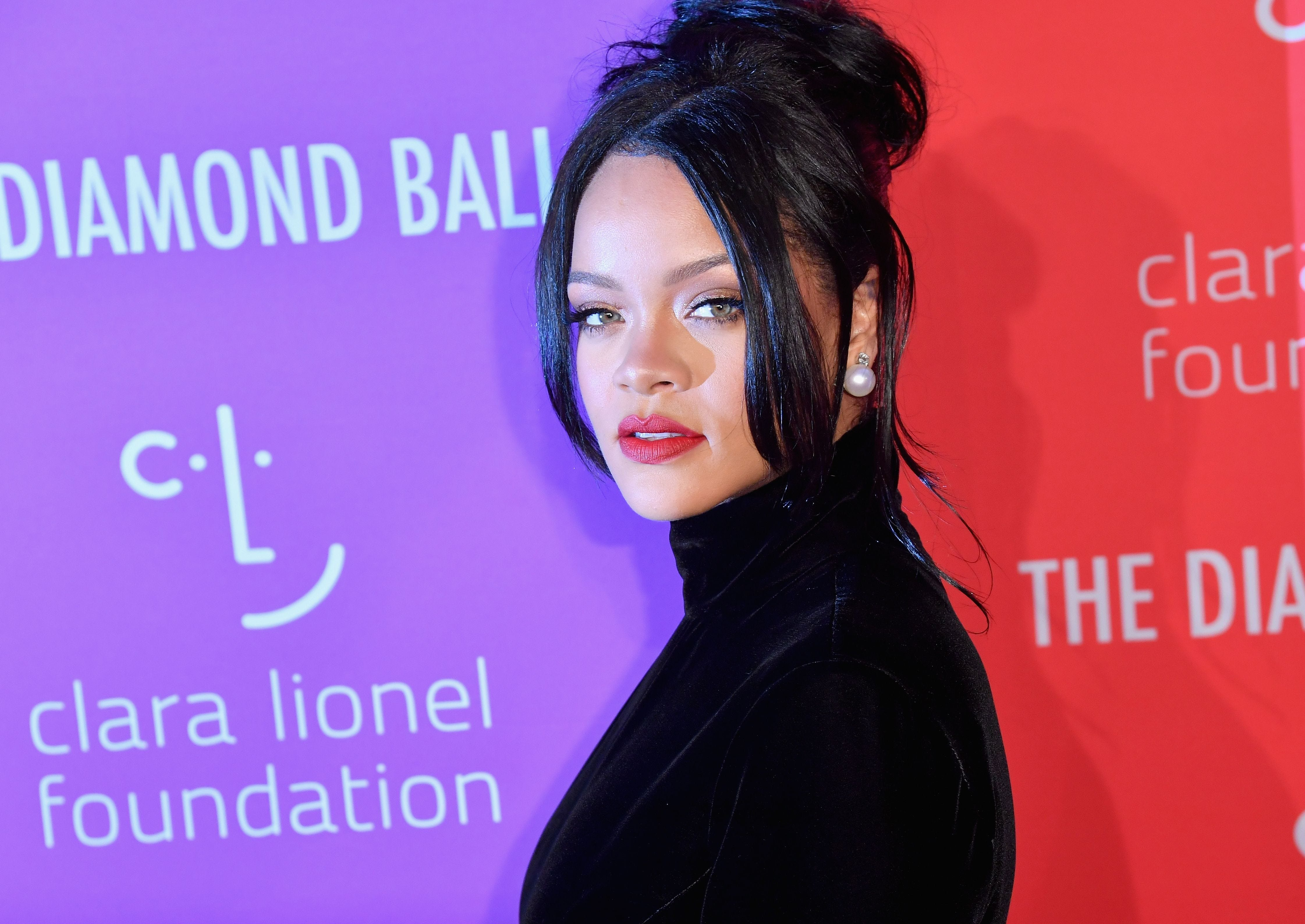 Rihanna declined Super Bowl performance in support of Colin Kaepernick:  I just couldn't be a sellout