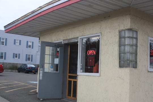 Taylors' Neighborhood Pizza & Sandwich Shoppe in Endwell is located at